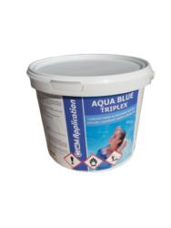 Aqua Blue Triplex Multifunkční tablety pro úpravu bazénové vody 5 kg-Aqua Blue Triplex 5kg - Multifunkční tablety ke dlouhodobé dezinfekci bazénové vody. Pomalu beze zbytku se rozpouštějící multifunkční tablety s cca. 80% aktivního chloru. Vhodné pro průběžné, dlouhodobé a komplexní ošetřování bazénové vody, zahrnující dezinfekci chlorováním, vyvločkování nečistot a ničení a zabránění růstu řas.