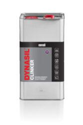 Dynasil Clinker 5 l impregnace na cihly a keramiku-DYNASIL® CLINKER 5L je moderní impregnace na bázi chemicky aktivních hydrofobních sloučenin, určená k impregnaci savých a porézních keramických materiálů vystavených nepříznivým povětrnostním podmínkám. Díky schopnosti vytvářet silné chemické vazby se impregnace zabuduje do struktury materiálu, dodá mu hydrofobní vlastnosti a zpevní povrch. Radikální snížení absorpce vody prodlužuje životnost a chrání před pronikáním škodlivých sloučenin a znečišťujících látek rozpuštěných ve vodě. Chrání před tvorbou výkvětů a znečištěním mechy a řasami. Impregnace nemění vzhled povrchu, nevytváří povlak, ale může mírně prohloubit barvu. Dostupné balení: 1l láhev 5l kanystr
