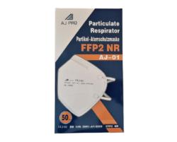 RESPIRÁTOR AJ-01 FFP2 BAL. 50KS-Respirátor třídy FFP2 neboli filtrační polomaska s tvarovatelnou páskou kopírující tvar nosu a elastickou gumičkou k upínání respirátoru za uši. Vysoká filtrační schopnost proti prachovým částicím, bakteriím a virům. Vysoká prodyšnost.  Baleno: 50 ks jednotlivě ve fólii